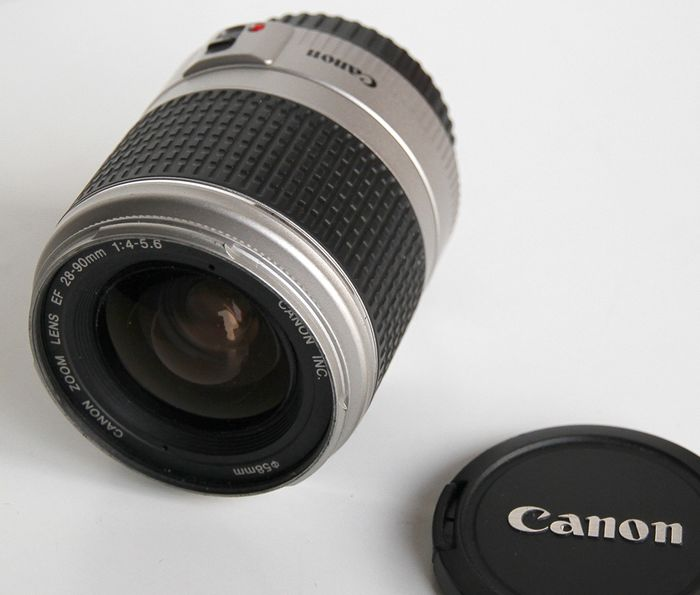 Canon zoom lens EF 28 - 90 mm 1.4 - 5.6
