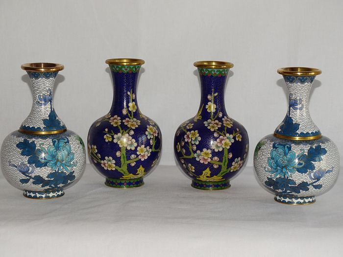 Vases (4) - Cloisonne enamel - China - Second half 20th century