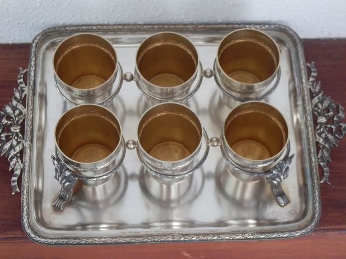 Sample set with 6 decorated cups on the plateau - Rococo Style - Silver plated