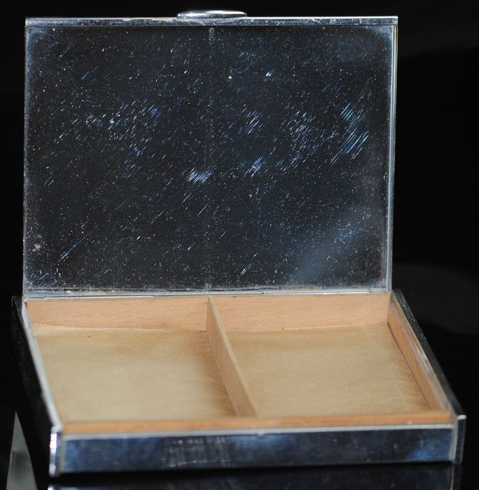 Cigarette box - Silver plated