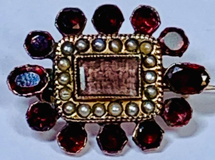 Pink gold - 19th Century Mourning Brooch Garnet - Seed Pearls