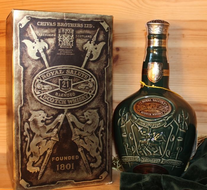 Chivas Regal 21 years old Royal salute - Spode Flagon - b. 1990er Jahre - 70 cl