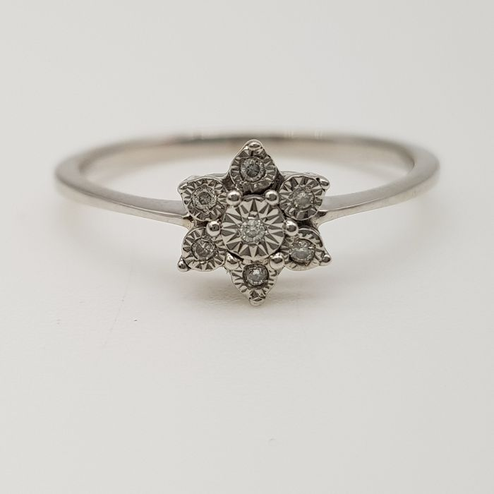 HRD Certificate - no reserve price - 18 kt. White gold - Ring - 0.05 ct Diamond