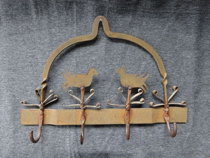 Game rack - Iron (cast/wrought)