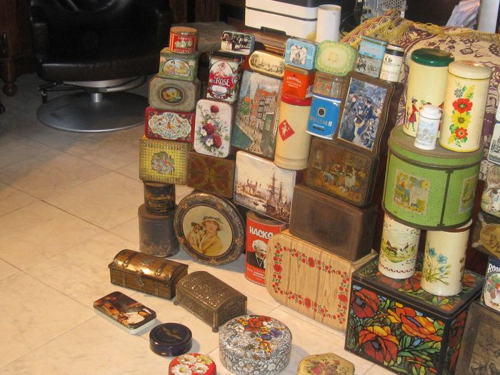 Collection of more than 70 Antique and Old Shop and Kitchen Stock tins - Look