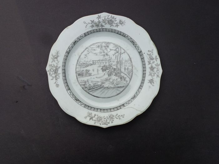 Plate (1) - Black and white - Porcelain - European show - Encre de Chine - China - 18th century