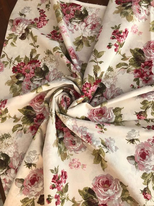 Mt. 2.82 x 2.80 mt Elegant Sanderson style floral fabric - fantasy in shades of pink and fuchsia - 1950-1999