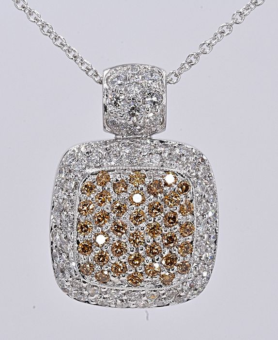 18 quilates Oro blanco - Collar - Color tratado 1.73 ct Diamante