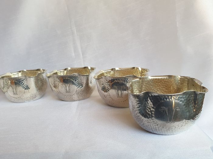 "BOHRMANN - Set of 6 Art Deco hammered ""finger bowls"" - Art Deco - Silver plated (on buyer)"