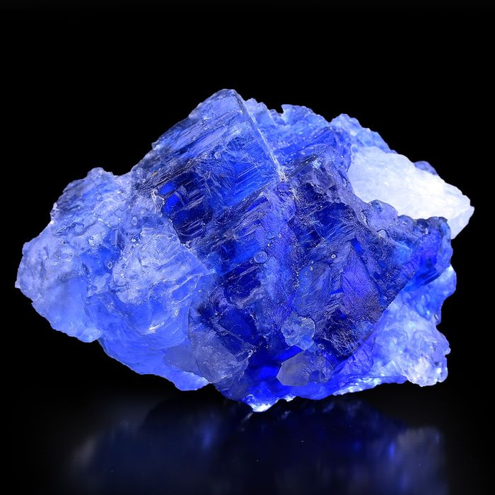 MUSEUM! Sapphire Blue Halite with Bubble Gas Crystal - 11×7.5×5 cm - 327 g