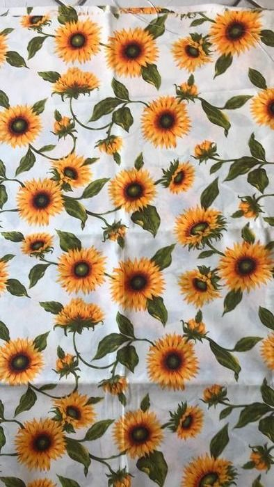 2.80 meters x 2.60 meters fabric with sunflowers - white base - Cotton - Unknown