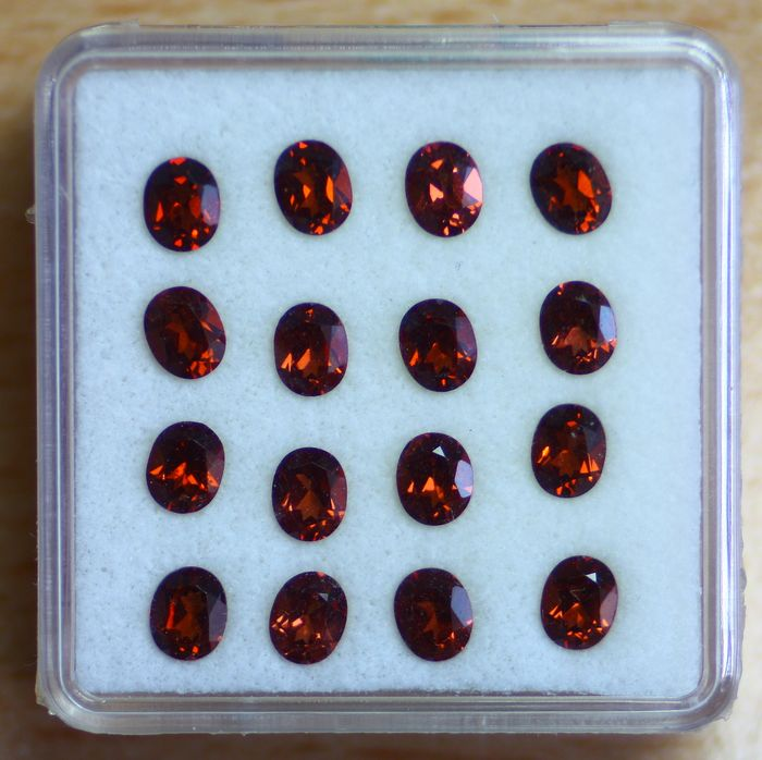 16 pcs Red Garnet, Rhodolite - 7.42 ct