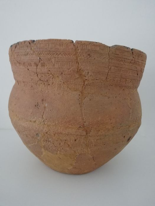 Prehistoric, Neolithic Earthenware Klokbeker (Found in Veluwe, the Netherlands) - 220×180×220 mm - (1)