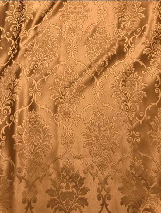Lot consisting of 2.80 x 2.60 m of elegant San Leucio gold-coloured damask fabric - decorations finished in gold thread