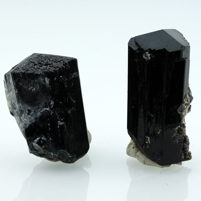 TOP! SHINY! Turmaline Schorl Mineral Collection - 5×2.5×2.2 cm - 111 g