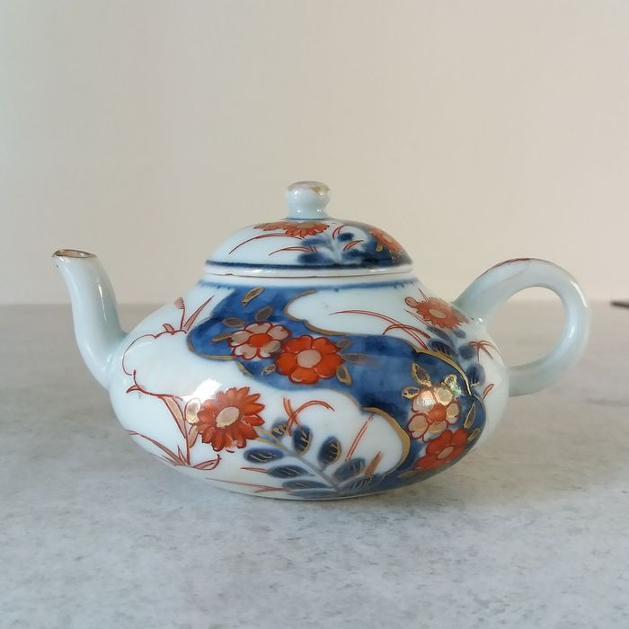 Beautiful Imari pull pot - Porcelain - China - 18th century