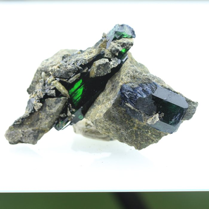 TOP QUALITY! Emerald Green VIVIANITE Specimen - 8×5×3.5 cm - 85 g