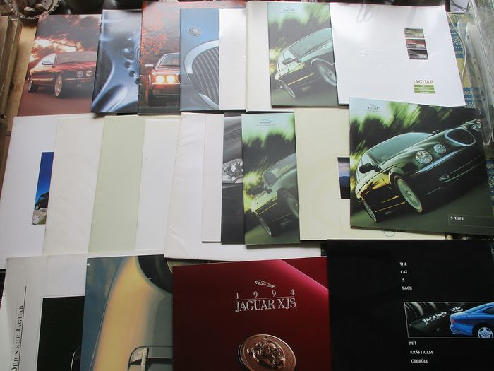 Brochures / catalogues - Jaguar (plus Rover/MG) - groot formaat folders - 1973-2001