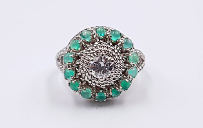 18 kt. White gold - Ring - 0.60 ct Diamond - Emeralds
