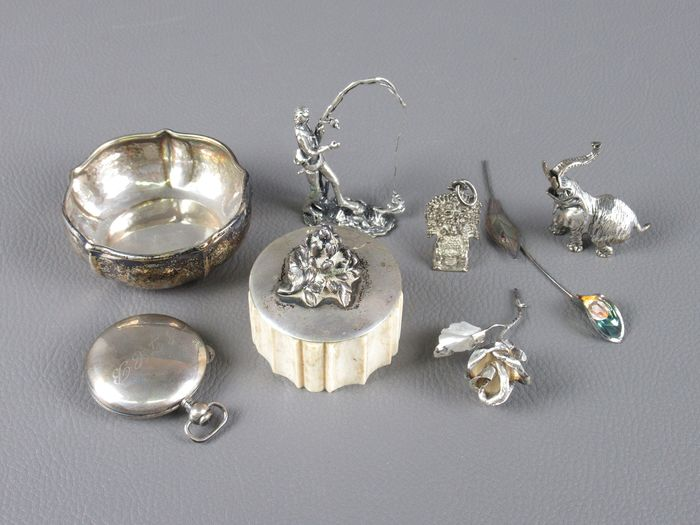 Lot of miniature micro fusions small silver objects - .800 silver, Bone, Wood
