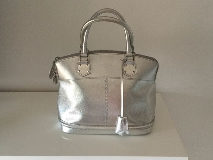 Louis Vuitton - Lockit PM Suhali Argent Sac à main