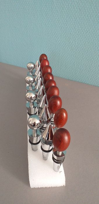 Wine,Wisky stoppers with mahogany knobs (21) - Steel (stainless), Wood- Mahogany
