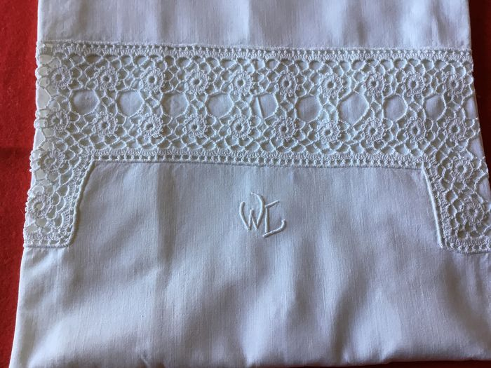 A PAIR OF FRENCH VICTORIAN PILLOW CASES - Cotton - Early 20th century