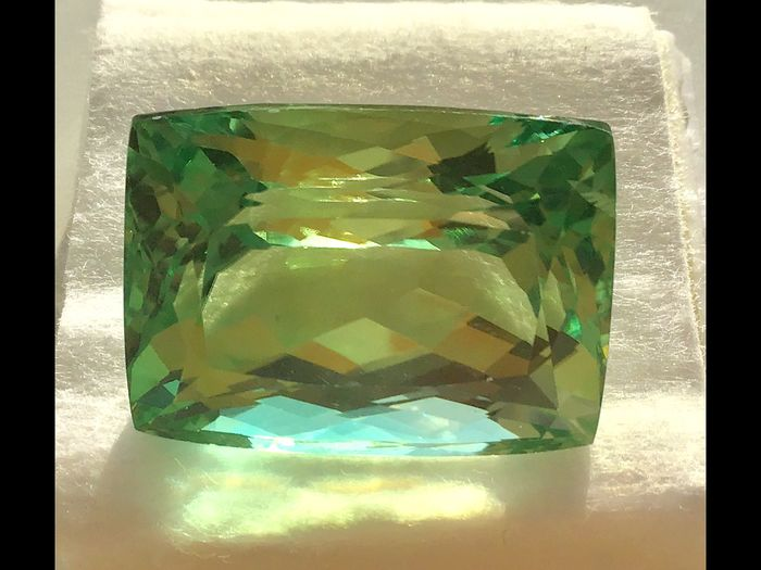 Green No Reserve Spodumene - 61.55 ct