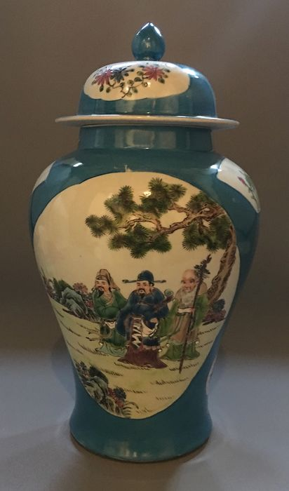 Baluster vase (1) - Porcelain - China - Late 20th century