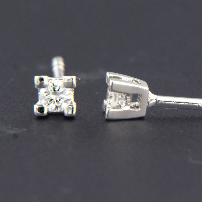18 carats Or blanc - Boucles d'oreilles - 0.10 ct Diamant