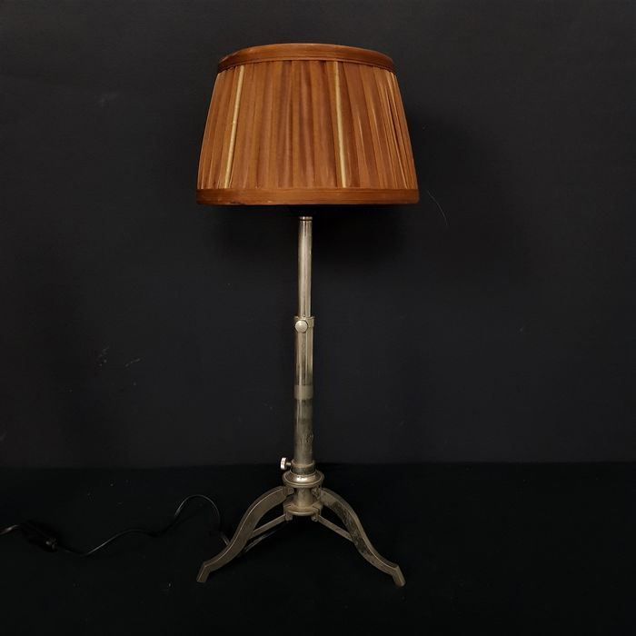 Industrial table lamp adjustable in height - stainless steel