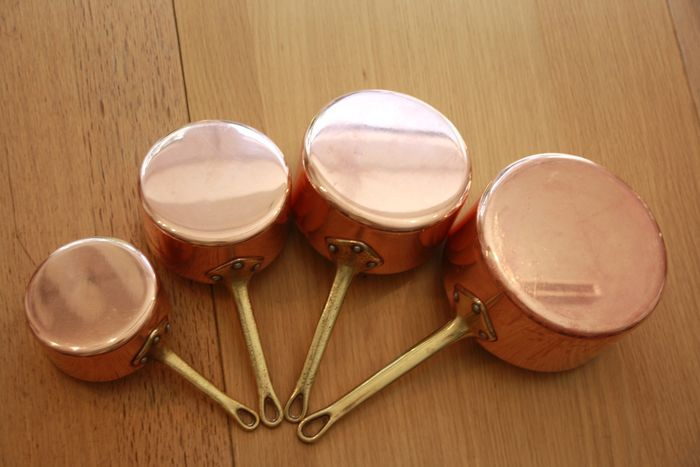 Set of 4 French pots, copper, brass, aluminum (1) - Copper, brass, aluminum