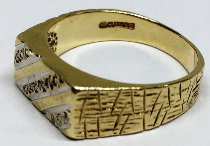 Yellow gold, exclusive diamond ring and inlays - Ring, stamp with diamond working diamonds Diamond - Diamonds