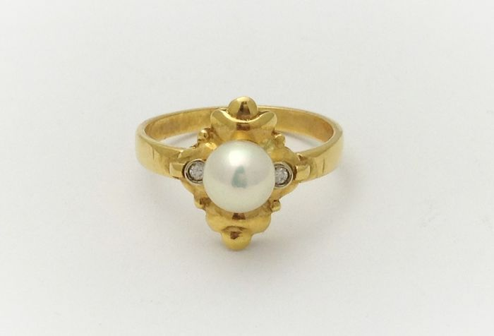 18 kt. Akoya pearl, Yellow gold - Ring Pearl 3/4 - Diamonds