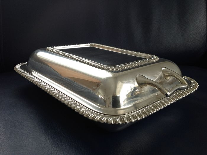 Cloche Dish serving dish JD&S meat dish with lid James Deakin & Sons - Silverplate