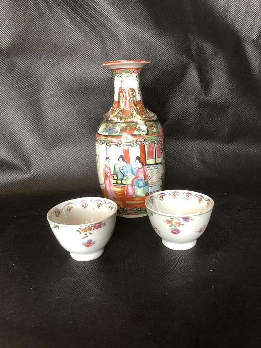 lot (3) - Porcelain - China - 18th / early 20th century
