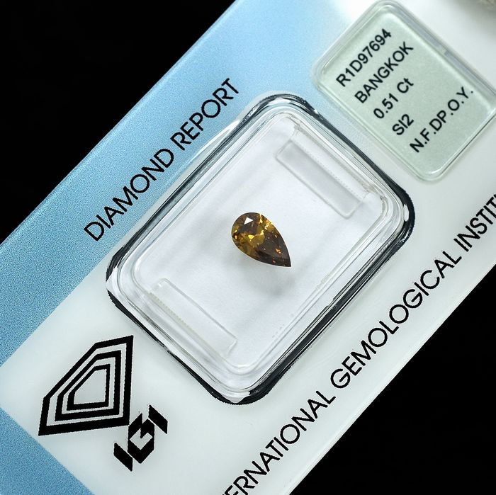 Diamant - 0.51 ct - Birne - Natural Fancy Deep Orangy Yellow - Si2 - NO RESERVE PRICE