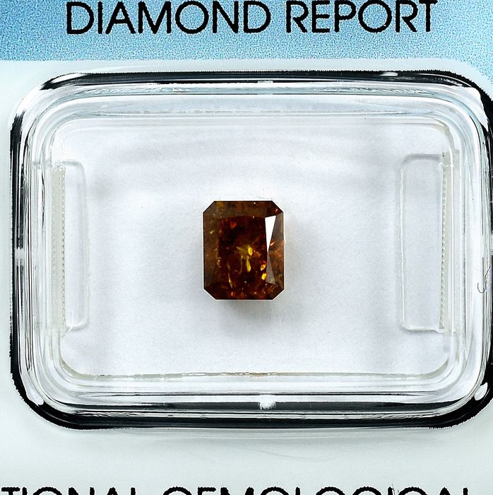 Diamant - 1.04 ct - Radiant - Natural Fancy Brownish Yellow - I2 - NO RESERVE PRICE
