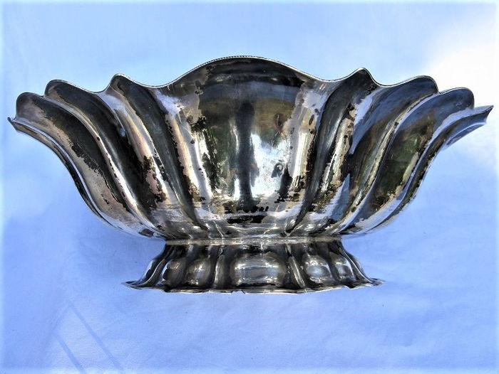 Bring Venetian-style chocolates - .800 silver - Italy - Early 20th century
