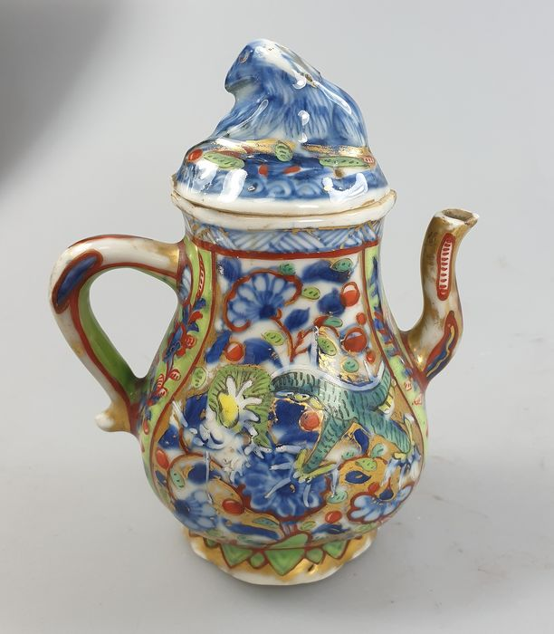 A lided cruet Chinese export porcelain - porcelain - China - Kangxi (1662-1722)