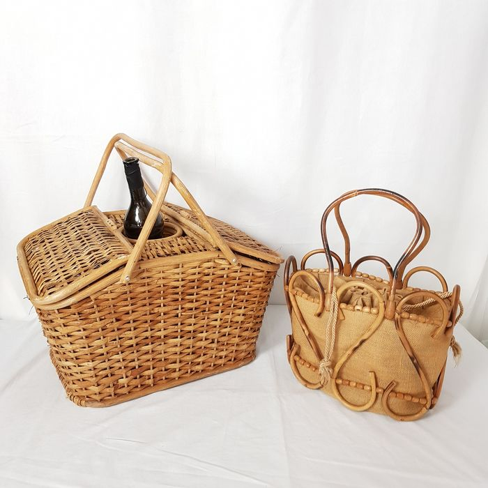 Vintage picnic basket / bag - Wood