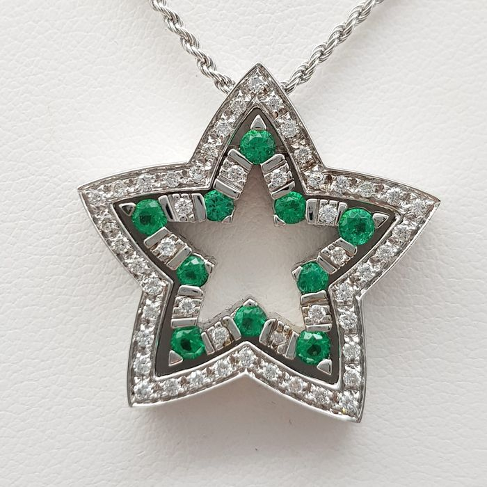 DAMIANI - HRD Certificate - no reserve price - 18 kt. White gold - Necklace, Necklace with pendant - 0.30 ct Diamond - Emeralds