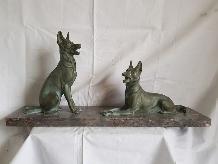 M. Font - Art deco sculpture two sheepdogs on marble base