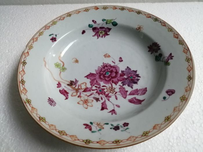 Antique-chinese-plate - Famille rose - Porcelain - China - Qianlong (1736-1795)