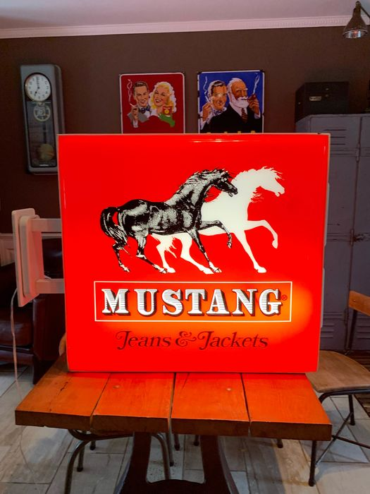 mustang jeans - Light advertising Mustang - Iron (cast/wrought), plastic