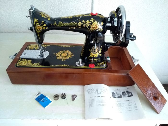 Lewenstein HA-E78 - Sewing machine with wooden dust cover, second half of the 20th century - Iron (cast/wrought)