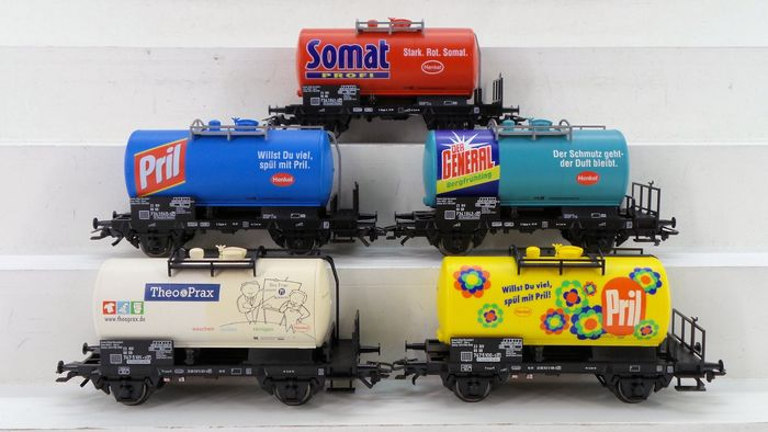 Märklin H0 - 46423/46427 - Freight wagon set - 5 Two-axle 'Henkel' tank wagons of 2 sets - DB