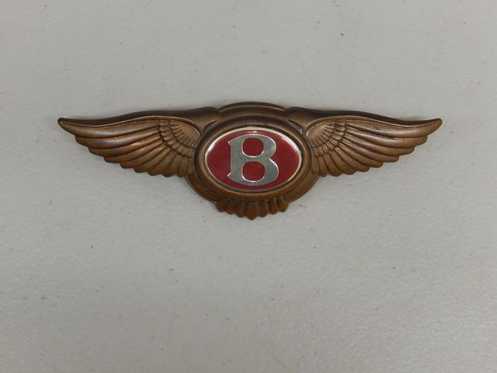 Badge - Original Red Bentley Thick Metal Bonnet Boot Car Badge Auto Emblem - 1950-1970