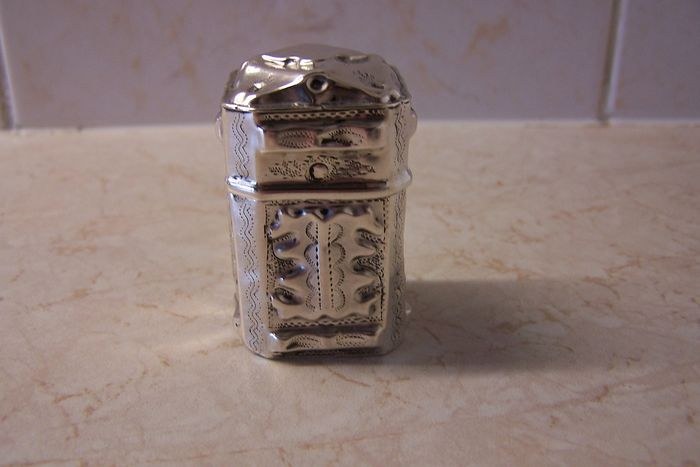 Lod (d) honor box with sliding cap - .833 silver - Netherlands - 1863