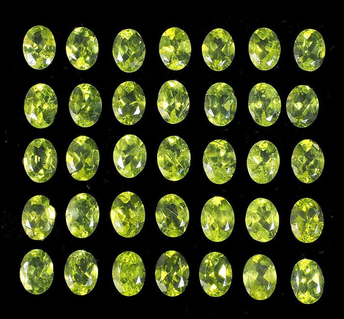 35 pcs  Peridot - 49.50 ct